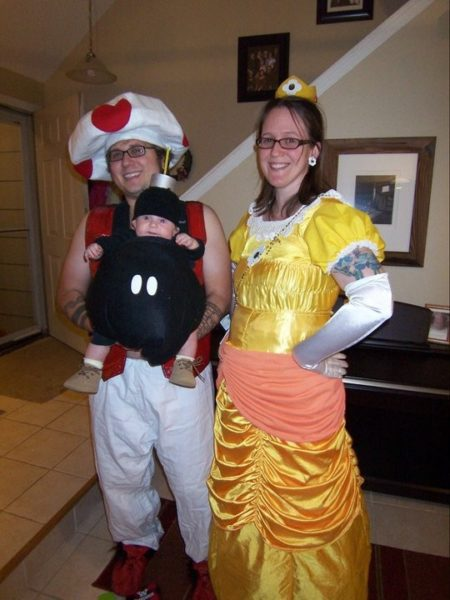 family-halloween-costumes-3