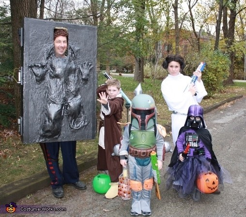family-halloween-costumes-7
