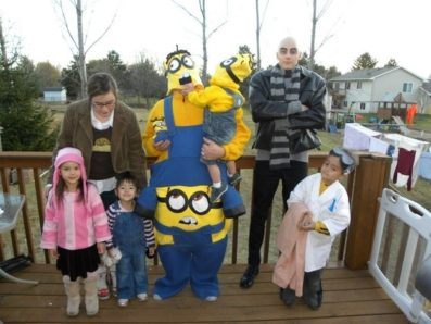 7 Group Halloween Costumes for the Family