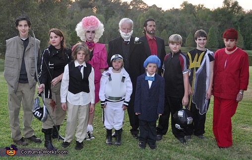 family-halloween-costumes-5